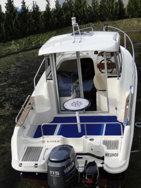 Angelboot mit Bergo MARINE Decksbelag